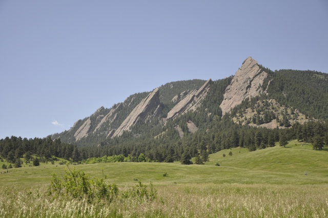 "View of the Flatiron ""foothills"" from the trailhead."